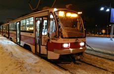 На ул. Ново-Садовой в Самаре час стояло движение из-за столкновения трамвая и трактора