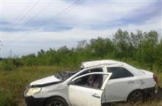 В Волжском районе женщина погибла в перевернувшемся в кювет Geely
