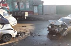 """Автомобилистка и ребенок пострадали при столкновении """"десятки"""" и Lada Kalina"""