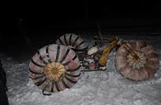 Под Октябрьском грузовой поезд сбил снегоболотоход