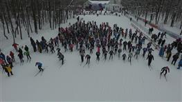 """10 тысяч человек вышли на старт """"Лыжни России"""" в Самаре"""