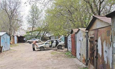 Как добиться демонтажа незаконных гаражей в своем дворе