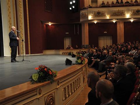 Николай Меркушкин поздравил энергетиков области с профессиональным праздником