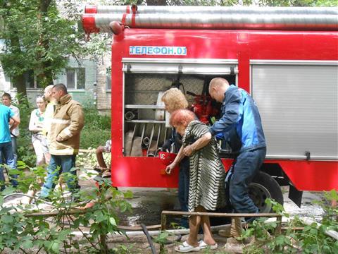На ул. Тухачевского на пожаре погибли женщина и ребенок