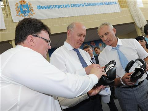 Николай Меркушкин ознакомился с работой универсального спорткомплекса в селе Кротовка
