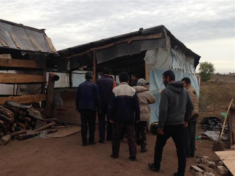 В теплицах Волжского района полиция и ФСБ нашли нелегальных мигрантов