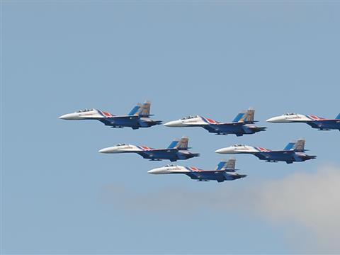 Авиашоу в день Флага России