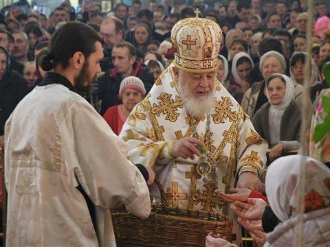 Пасхальная служба в Покровском соборе в Самаре