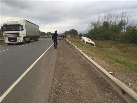 В Сергиевском районе в аварию попал автобус, 15 человек доставлены в больницу