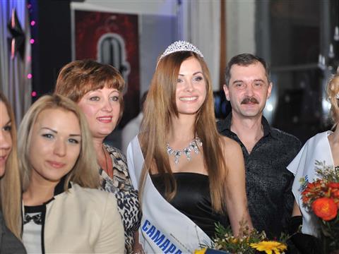 """Победительницей конкурса """"Мисс Самара-2014"""" стала Елена Петрова"""