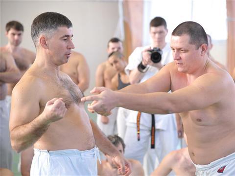 Обладатель пятого дана по Годзю-рю Богдан Курилко в Самаре провел семинары по каратэ
