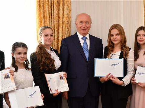 Николай Меркушкин встретился со старшеклассниками