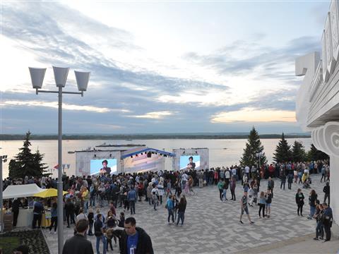 День России в Самаре и парад фейерверков