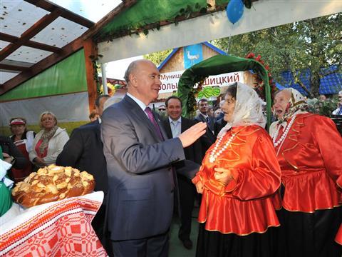 Николай Меркушкин принял участие в открытии агропромышленной выставки