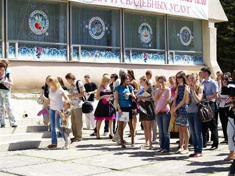 В Самарском дворце торжеств состоялся VI фестиваль свадебных и праздничных услуг