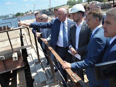 Максим Соколов посетили строительную площадку Фрунзенского мостового перехода.