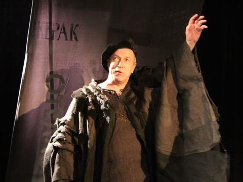 """Театр """"Сад"""" показал моноспектакль Алексея Якиманского """"Актер перед обманчивым зеркалом"""""""
