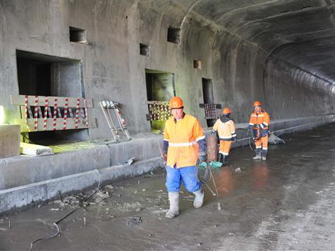 Тоннель под Кировским кольцом