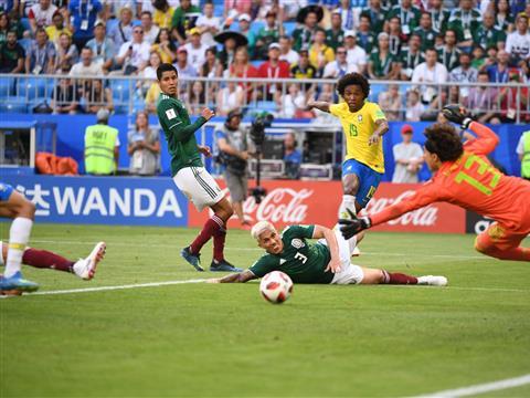 Сборные Бразилии и Мексики на стадионе в Самаре