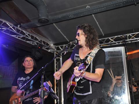 Сергей Галанин задержал концерт на целый час в ожидании самарских друзей