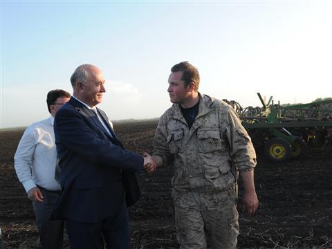 Губернатор осмотрел крупные сельхозпредприятия Кинель-Черкасского района