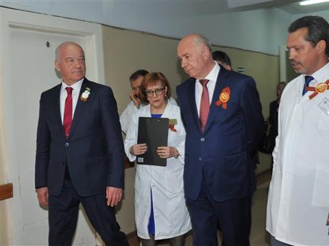 Николай Меркушкин посетил Самарский областной клинический госпиталь для ветеранов войн