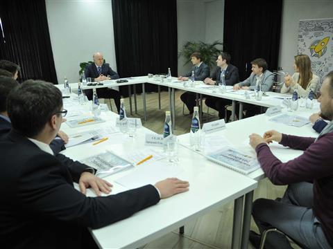 Николай Меркушкин встретился с представителями регионального центра инноваций StartupSamara