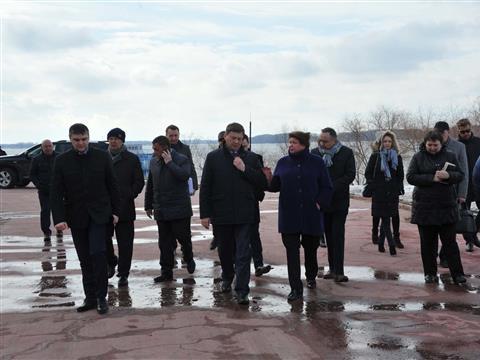 Олег Фурсов посетил четвертую очередь набережной Самары