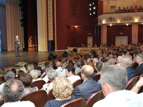 Губернатор Николай Меркушкин поздравил с праздником строителей региона