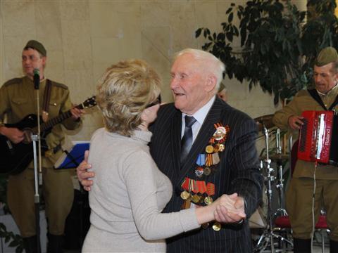 В Тольятти во Дворец культуры, искусств и творчества прошли праздничные мероприятия, посвященные Дню Победы