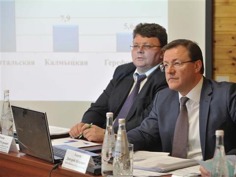 Дмитрий Азаров провел совещание в Шигонах
