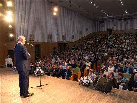 В Тольяттинской филармонии состоялось торжественное собрание, посвященное Дню медицинского работника