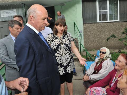 Николай Меркушкин поручил завершить капремонт жилого дома в Тольятти
