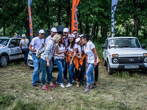 На Федоровских лугах под Тольятти прошел фестиваль внедорожников #NIVAFEST