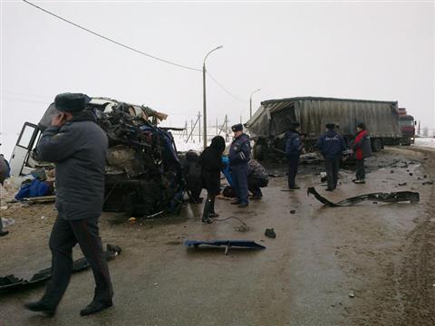 Около Елховки столкнулись автобус и грузовик МАЗ, один человек погиб