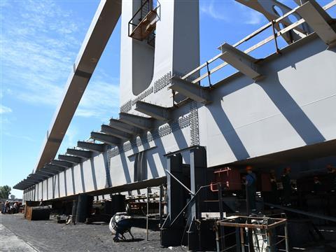 Стартовал второй этап надвижки Фрунзенского моста