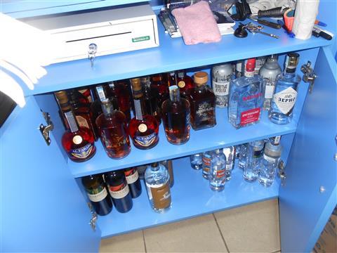 В самарских торговых точках изъяли новые партии незаконного алкоголя