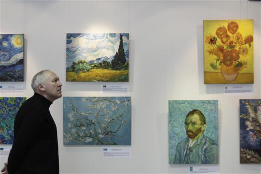 В Тольяттинском художественном музее проходит выставка репродукций Ван Гога в технике жикле