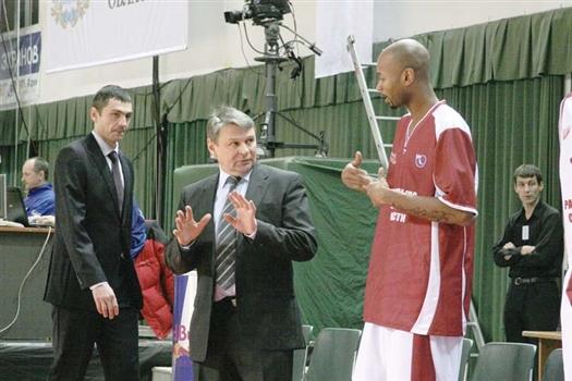 Игорь Грачев (слева) помогал Сергею Зозулину еще в «Красных Крыльях»