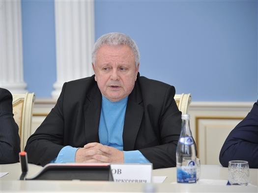 """Константин Титов: """"Работа губернатора по реформированию системы соцвыплат заслуживает колоссального уважения"""""""