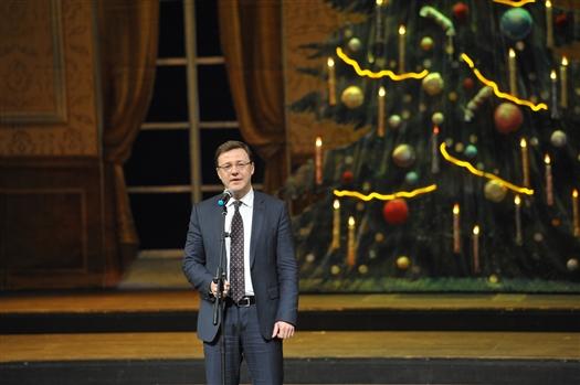 В Самаре состоялся концерт, посвященный одному из главных православных праздников — Рождеству Христову. На мероприятии присутствовал врио губернатора Дмитрий Азаров