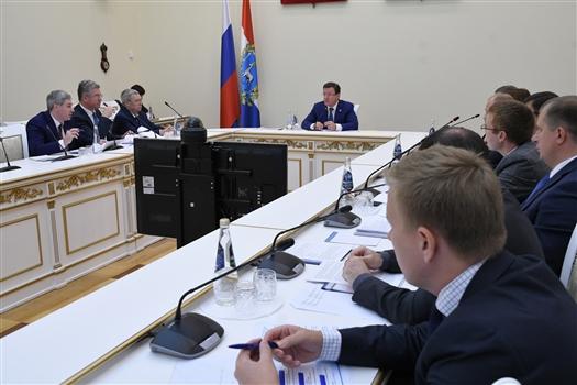 Дмитрий Азаров поставил задачу ускорить процесс определения границ земельных участков региона