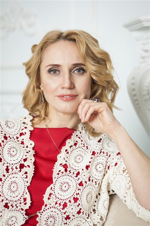 Ирина Ганжа, директор, к.м.н., стоматолог общей практики, хирург, пародонтолог
