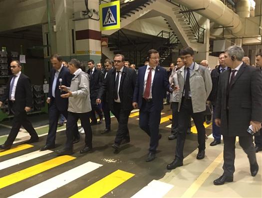 Игорь Комаров и Дмитрий Азаров посетили АвтоВАЗ