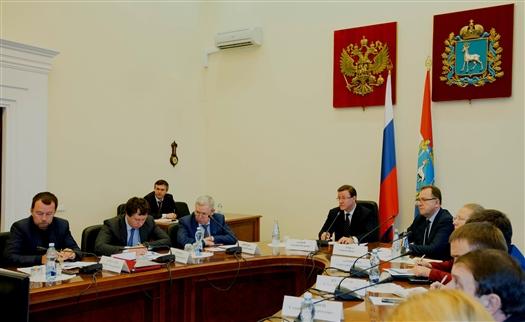 Дмитрий Азаров поставил задачу немедленно брать в работу все обращения граждан по отсутствию отопления