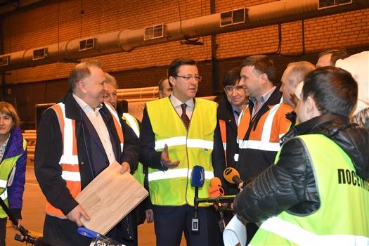 Дмитрий Азаров посетил крупнейший в России завод по производству напольных покрытий