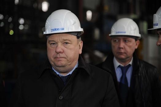 """Владимир Шаманов ознакомился с работой сызранского АО """"Тяжмаш"""""""