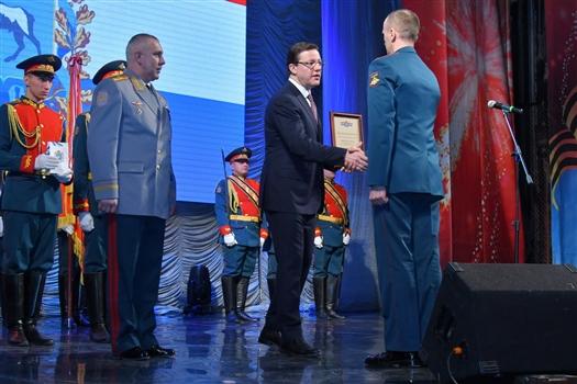 """Дмитрий Азаров: """"Для региона большая честь, что в Самаре расположен штаб 2-й гвардейской Краснознаменной общевойсковой армии"""""""