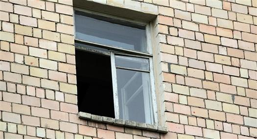 В Тольятти погибли два человека, выпавшие из окон многоэтажек