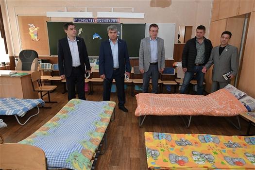 Самарские депутаты проверили городские лагеря дневного пребывания детей